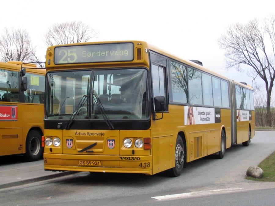 Århus Sporveje 438/OS89921 ved endestationen i Tilst den 11. april 2006