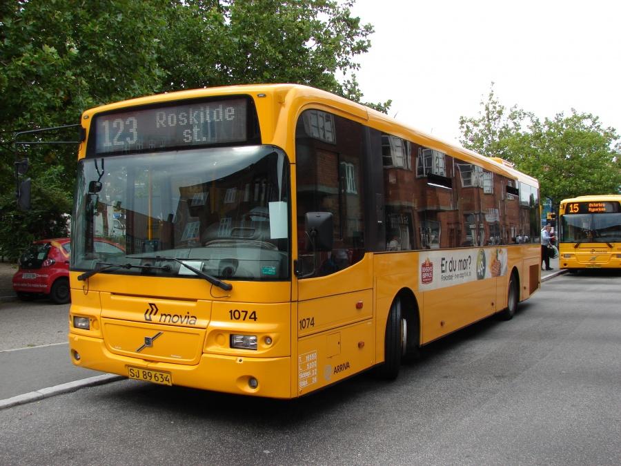 Arriva 1074/SJ89634 på Ålholm Plads i Valby den 23. august 2011