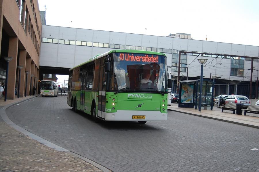 Tide Bus 8023/XJ94606 ved busterminalen på Odense Banegård den 30. juli 2009