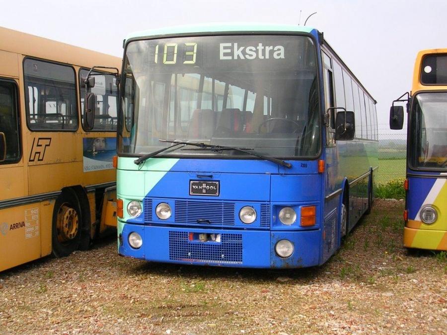 Max Bus ved Vejstruprød Busimport i Christiansfeld den 11. maj 2004