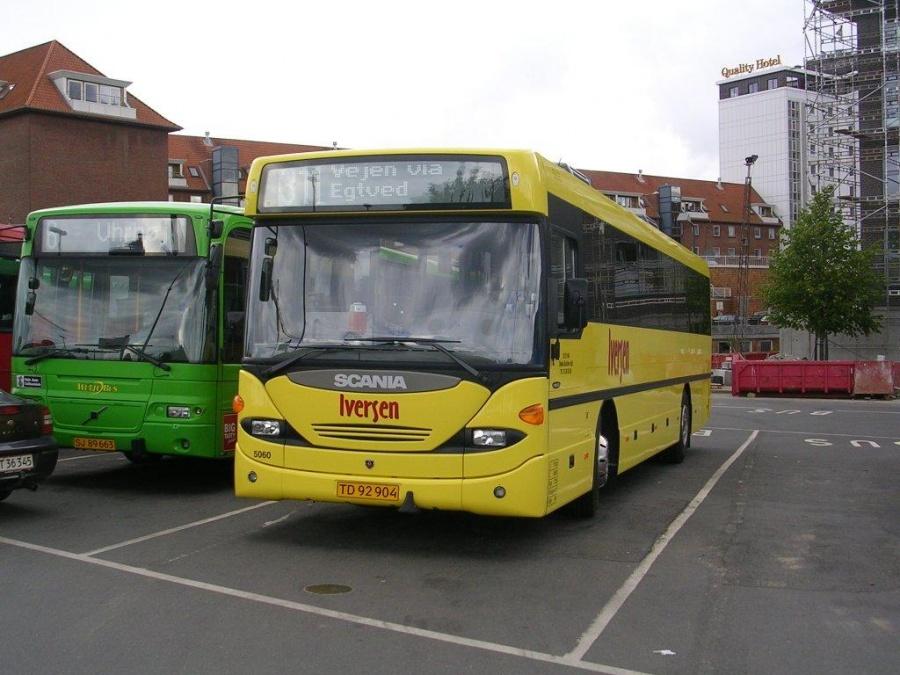 Iversen 5060/TD92904 på Vejle Trafikcenter den 1. juli 2004