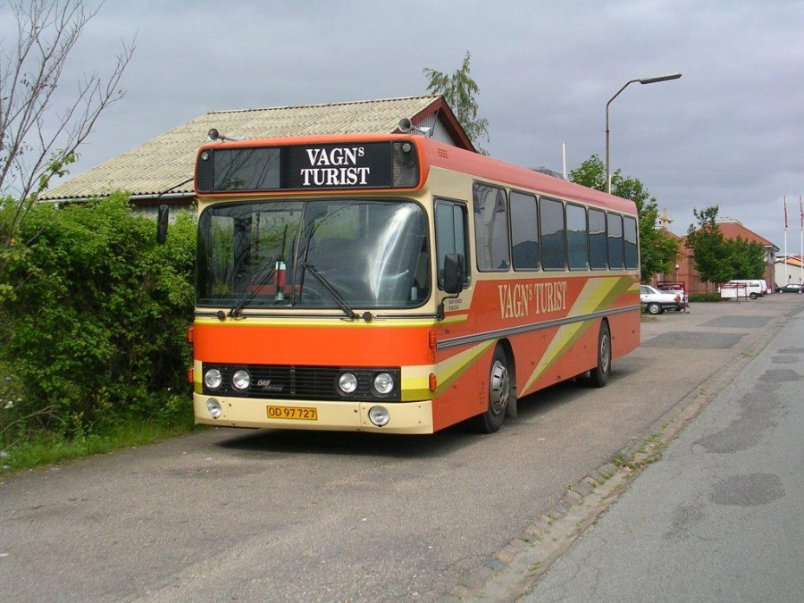 Vagns Turist OD97727 i Pakhusgade i Vejle den 12. juli 2004