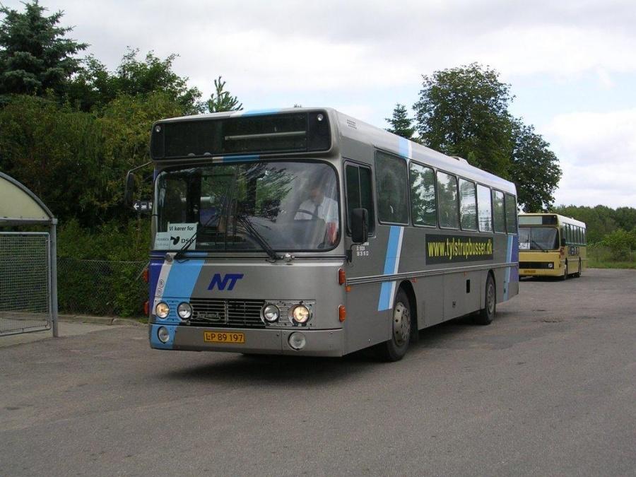 LP89197 som togbus i Bred på Fyn den 13. juli 2004