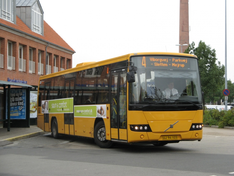 NF Turistbusser 42/UJ94103 i Slotsgade i Holstebro den 25. august 2008