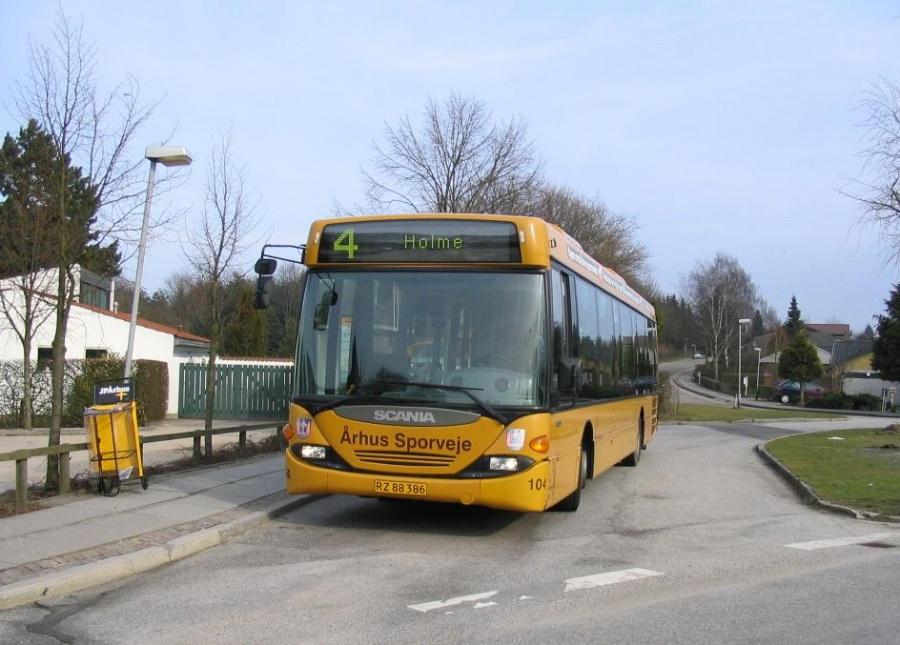Århus Sporveje 104/RZ88386 ved Holme Kirke den 26. marts 2005. Den sidste linie 4 i Holme