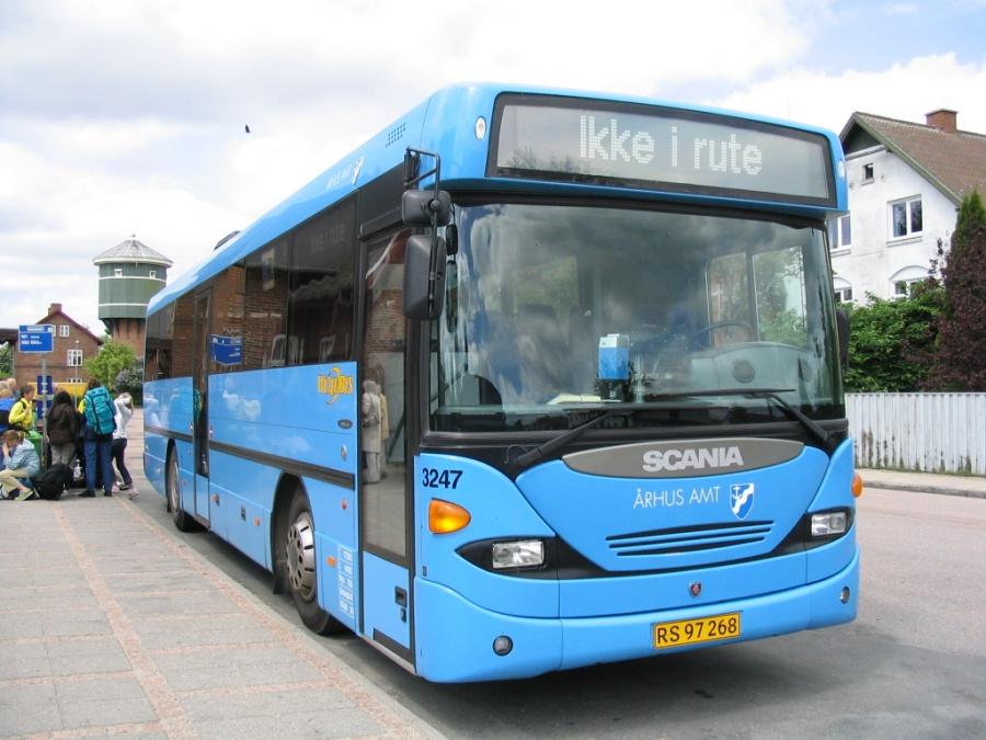 Wulff Bus 3247/RS97268 på Ryomgård St. den 30. maj 2005