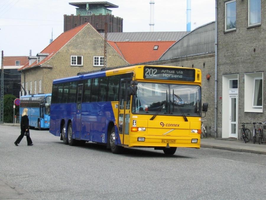 Connex 2698/RL92347 på Århus Rutebilstation den 20. juni 2005