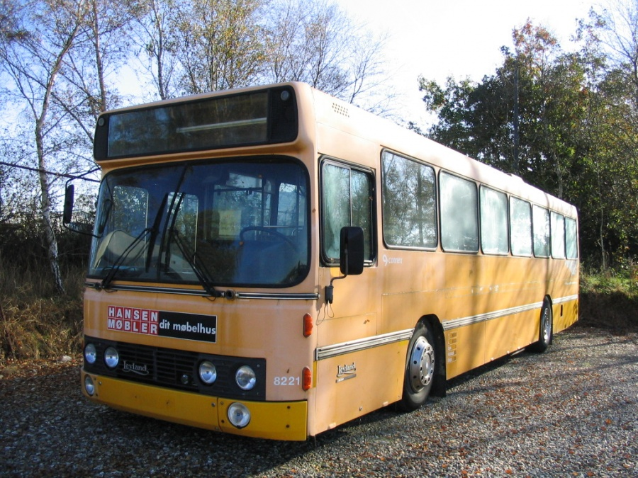 Ex Connex 8221 hos Faarup Rute- og Turistbusser i Fårup den 19. oktober 2005