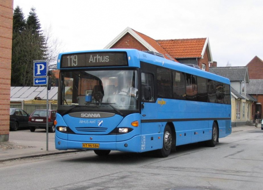 Wulff Bus 3252/RT96584 på Tingvej i Hornslet den 11. april 2006