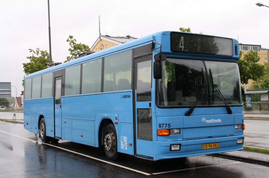 Arriva 8775/VS96062 på Skanderborg St. den 12. juni 2009