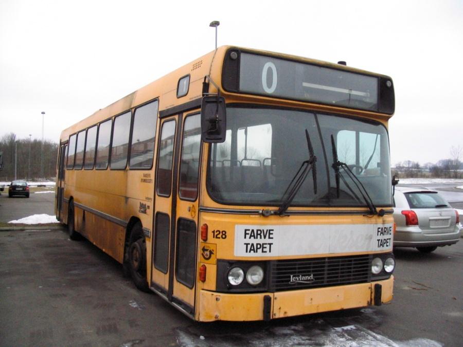 ex Randers Byomnibusser 128 på KTA Horsens den 17. marts 2006