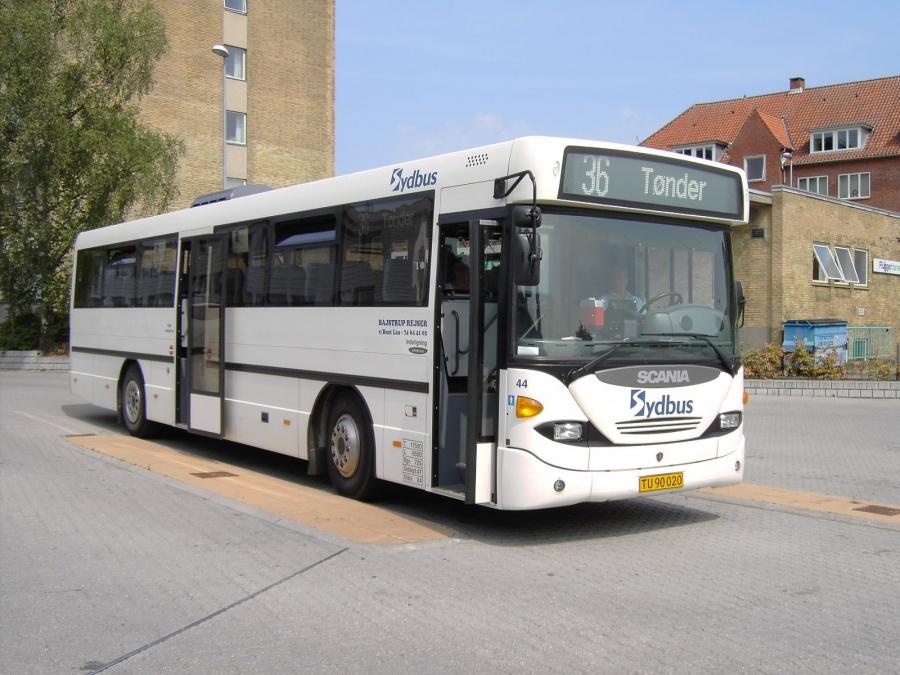 Bajstrup Rejser 44/TU90020 på Haderslev Busstation den 27. juli 2006