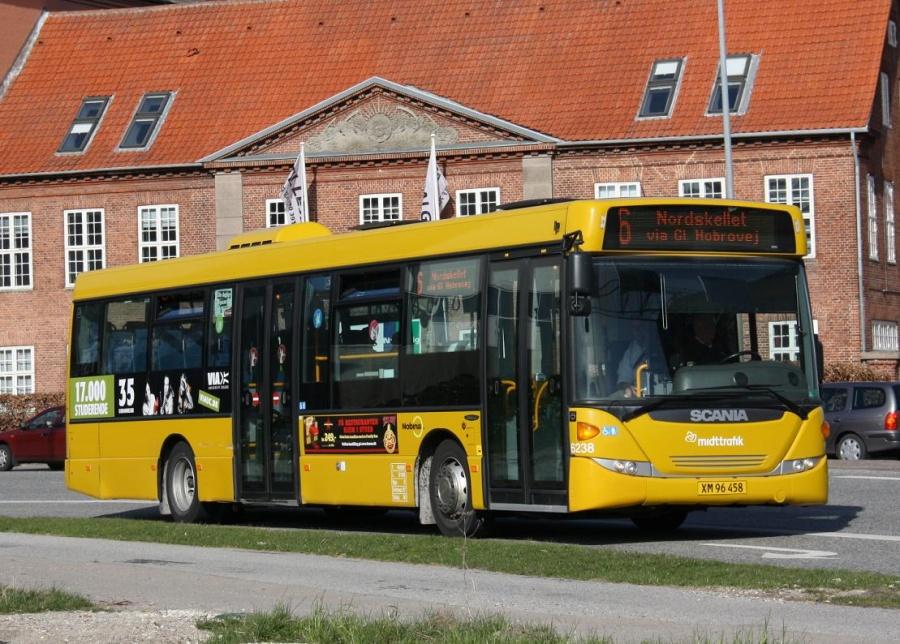 Nobina 6238/XM96458 i Rosenørnsgade i Randers den 27. marts 2012