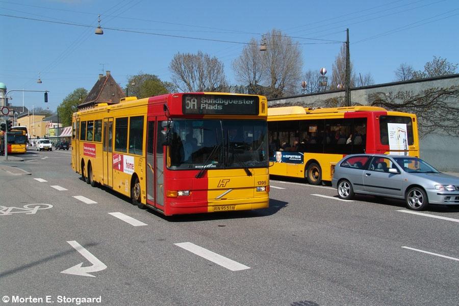 Arriva 1395/RN95514 på Bernstoffsgade i København den 24. april 2005