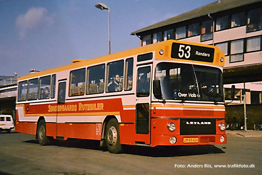 Søndergaards Rutebiler 69/JM93424 på Randers rtb. i 1986