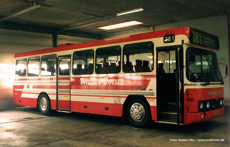 Thygesen Busser 106/KU90967 i garagen i Als i juni 1995