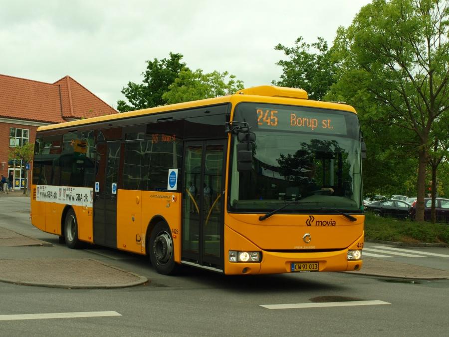 Lokalbus 4426/CW91013 ved Ølby Station den 29. maj 2012
