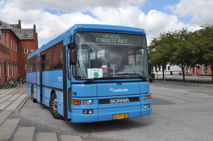 Skave Turistfart 16/AG93383 ved Holstebro Station den 21. juli 2012