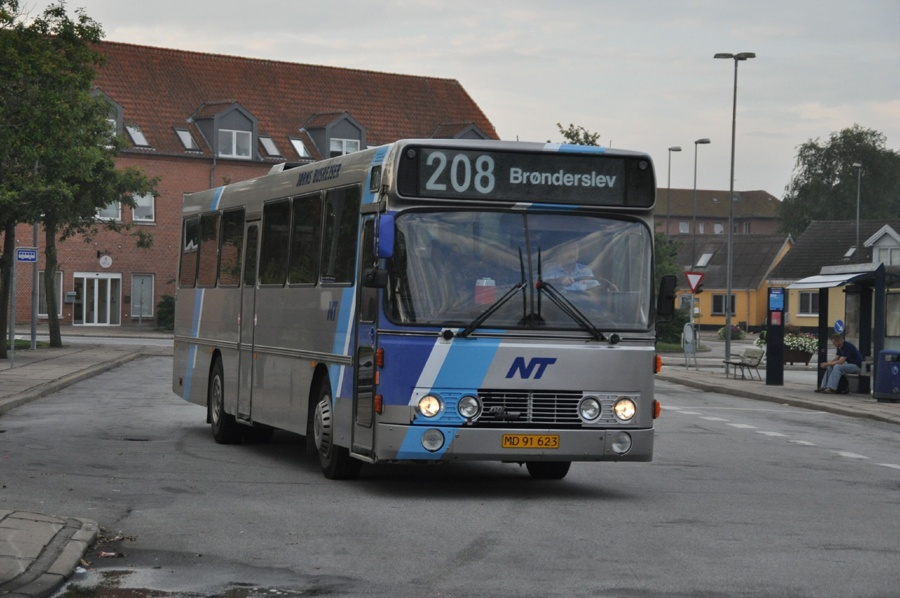Jørns Busrejser MD91623 i Brønderslev den 26. august 2011