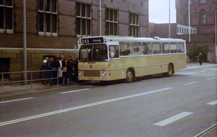HT 640/DC91677 på Jernbanevej i Helsingør ved Helsingør Station