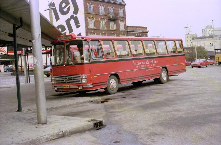 Sechers Rutebiler BM96943 på Århus rtb.