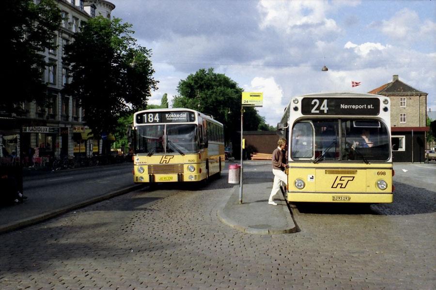 HT 1520/JD95370 og 698/DJ93193 ved Nørreport st. i København