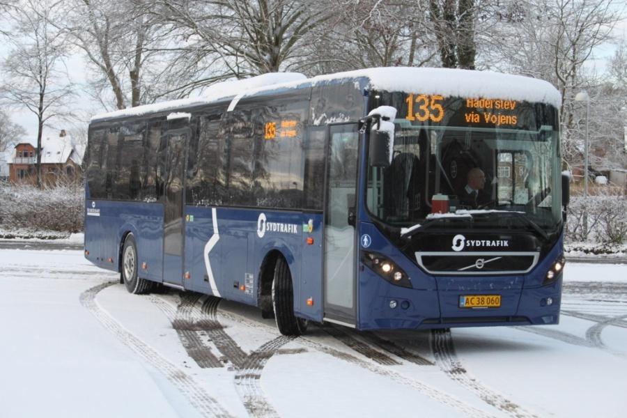 Rutebilselskabet Haderslev AC38060 ved Ribe rutebilstation den 2. december 2012