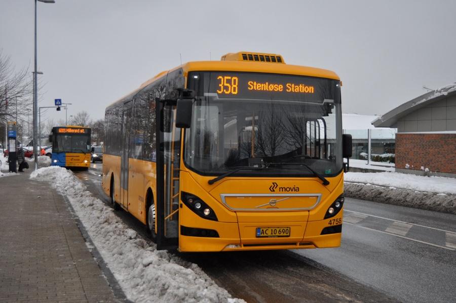 Ditobus 4758/AC10690 ved Jyllingecentret den 12. december 2012