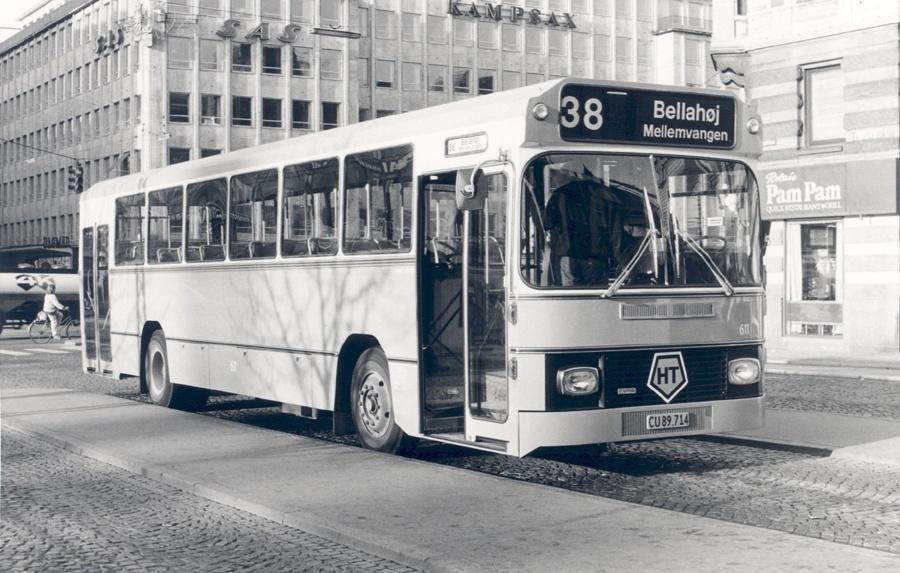 HT 611/CU89714 på Rådhuspladsen i København