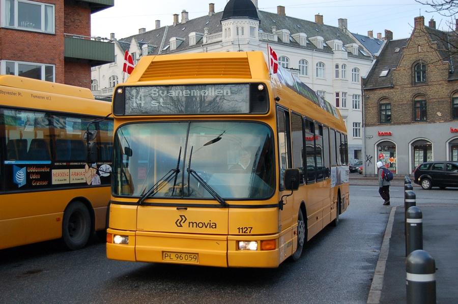 Arriva 1127/PL96059 ved Svanemøllen st. i København den 5. februar 2008