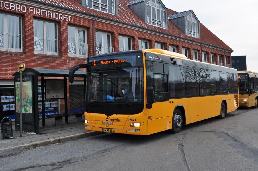 NF Turistbusser 8960/CW95284 i Slotsgade i Holstebro den 14. februar 2013