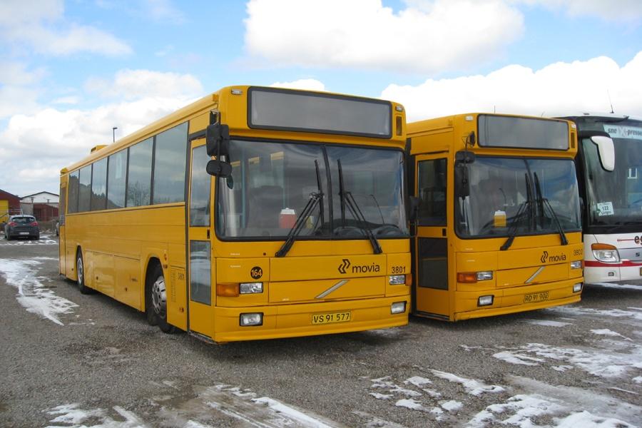 Egons Turist- og Minibusser 3801/VS91577 og 3802/RD91902 i Slagelse den 25. marts 2013