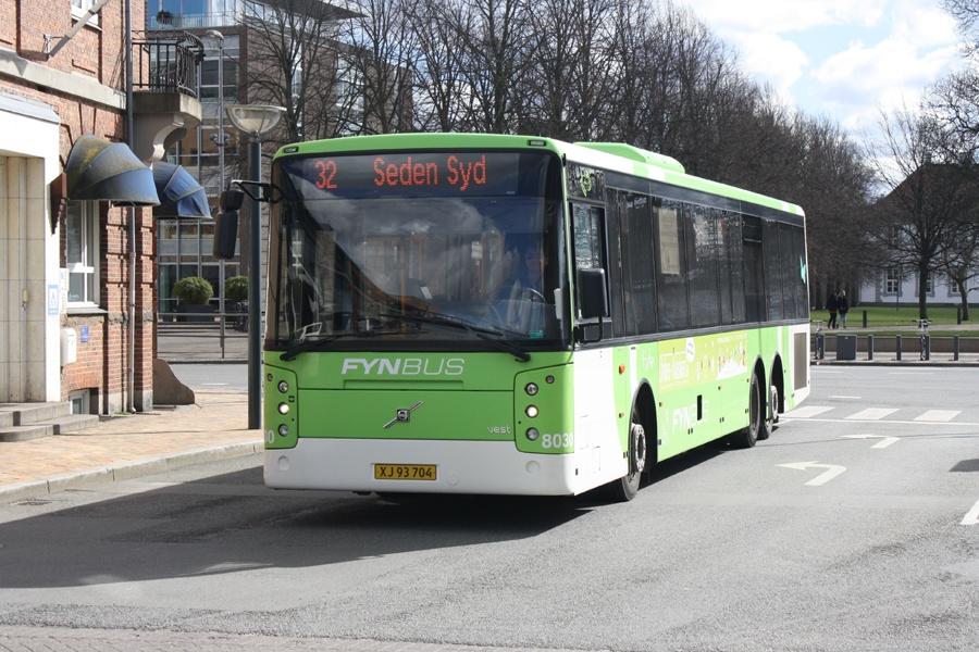 Tide Bus 8030/XJ93704 i Odense den 3. april 2015
