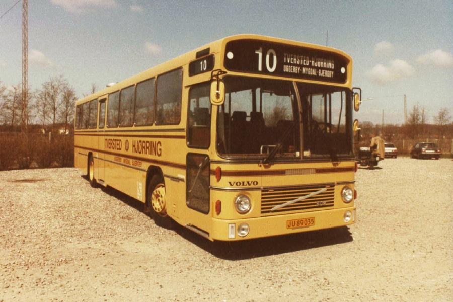 Tversted Rutebiler JU89035