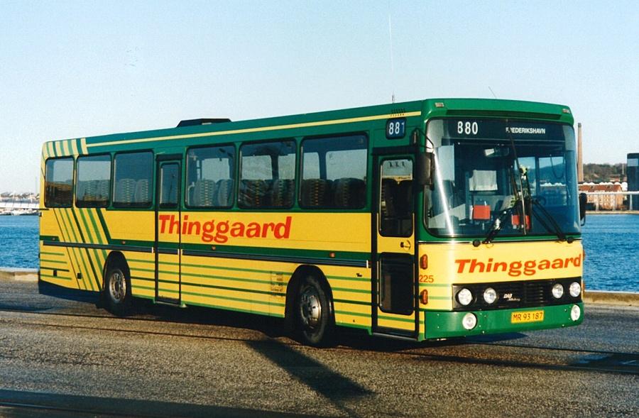 Thinggaard 225/MR93187 på havnen i Aalborg i april 1995