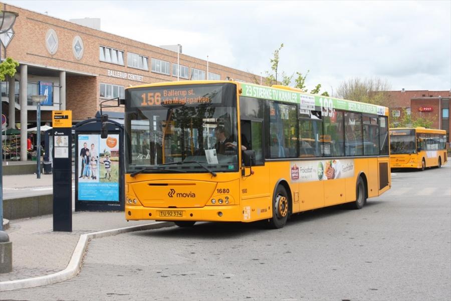 Arriva 1680/TU92374 på Ballerup station den 16. maj 2012