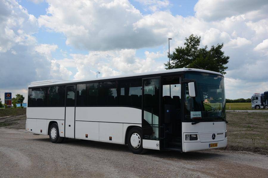Egons Turist- og Minibusser 167/CW95580 ved Roskilde Vest st. den 11. juni 2013