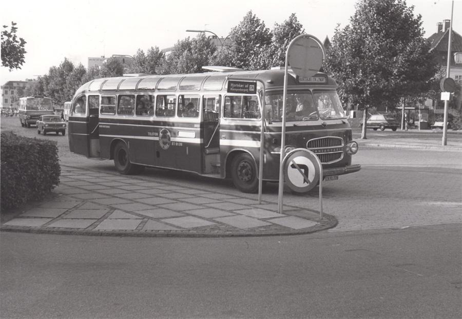 Hjortekær Trafik CK91776 ved Lyngby st. den 2. oktober 1975