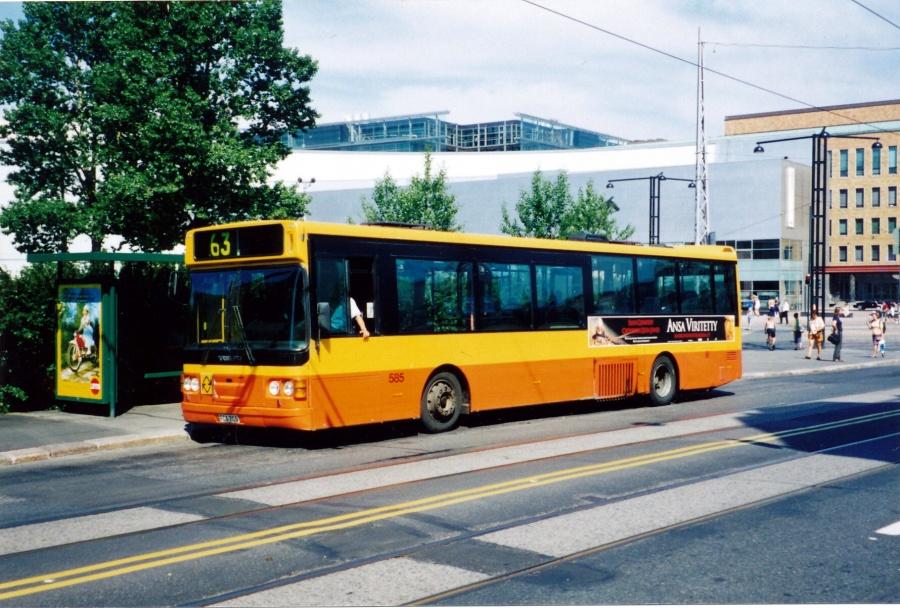 Linjebuss 585/FCX705 i Helsinki i Finland i juni 1999