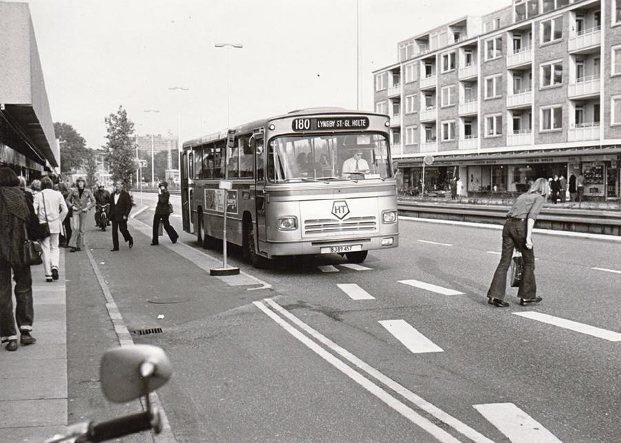 HT 5051/BJ89457 på Klampenborgvej i Lyngby i 1974