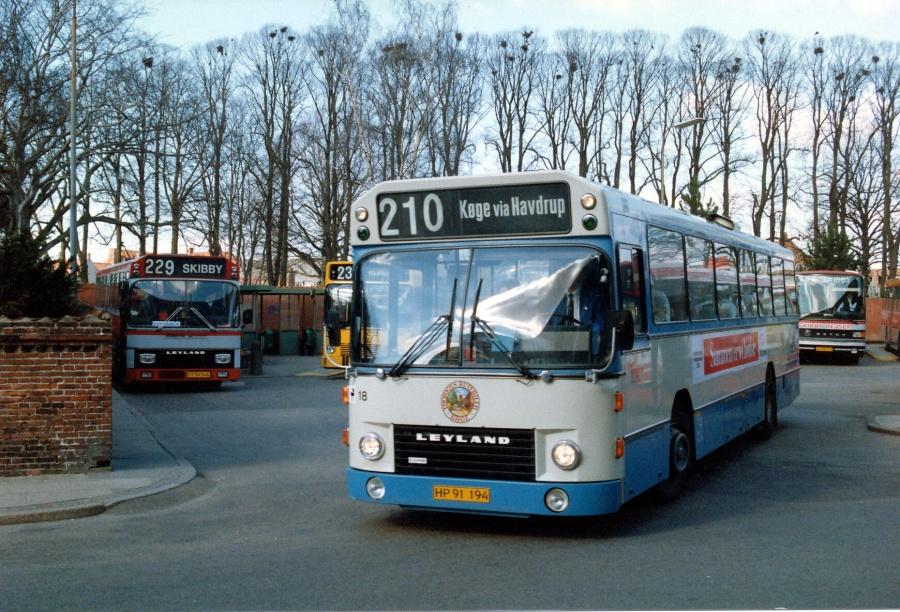 Thorkilds Rutebiler 18/HP91194 ved Roskilde Station