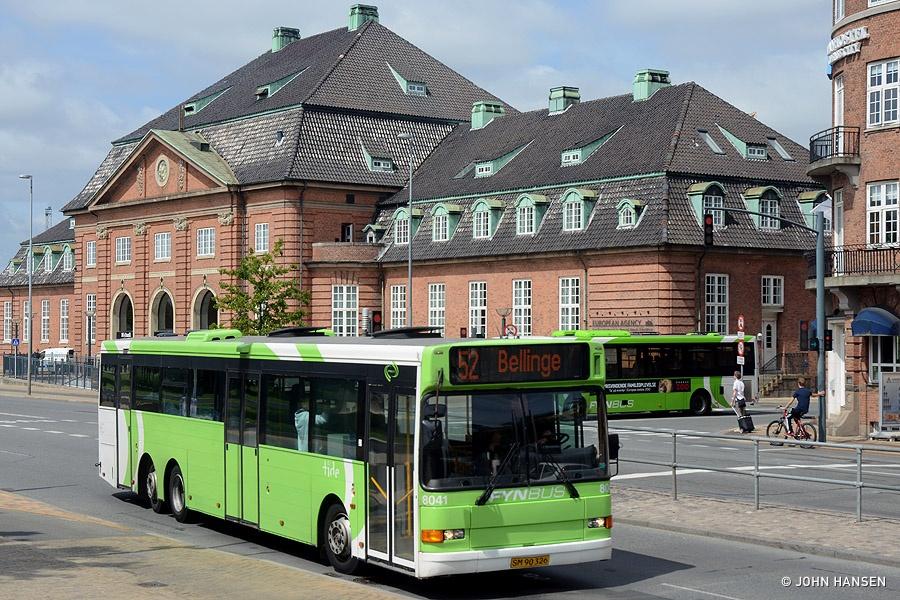 Tide Bus 8041/SM90326 på Østre Stationsvej i Odense den 19. juli 2013