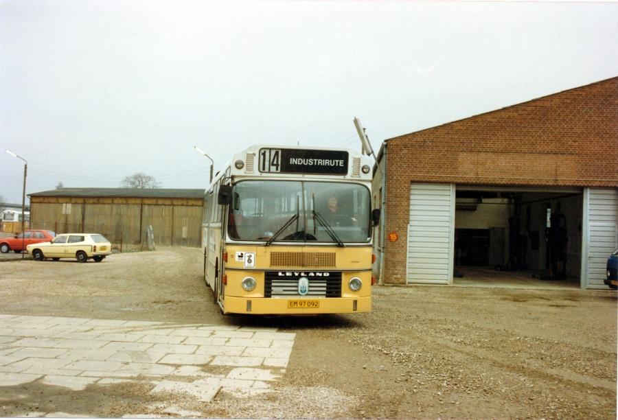Vejle Bustrafik 13/EM97092 i garagen i Vejle