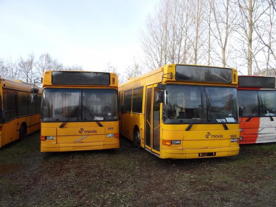 Ex. Arriva 1411 & 1866 ved Vejstruprød Busimport den 2. december 2013