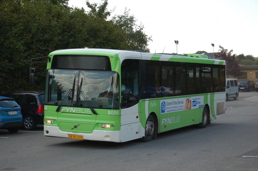 Tide Bus 8056/SZ91474 ved Pontoppidansskolen i Broby den 28. august 2013