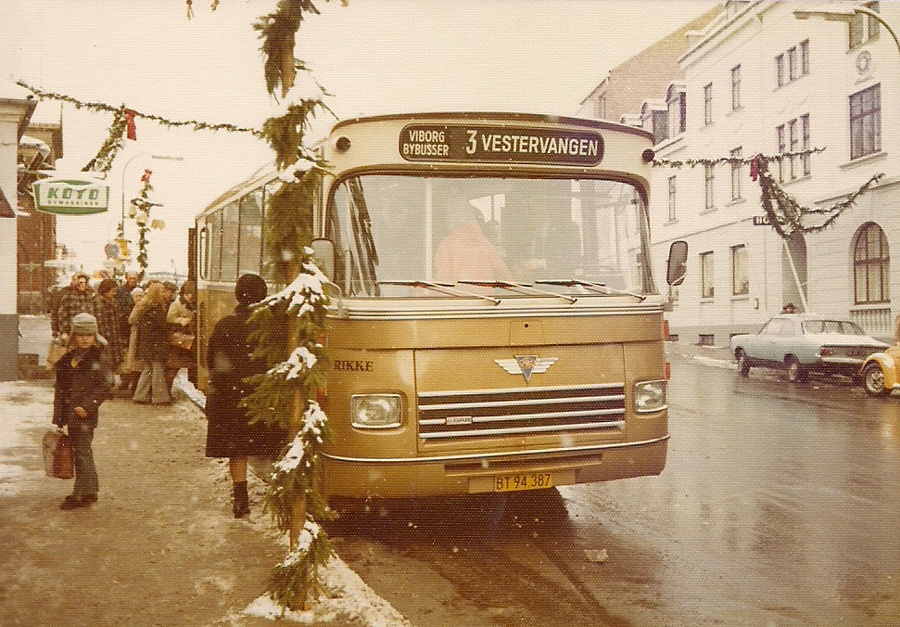 Pan Bus 92/BT94387 på Gravene i Viborg den 27. november 1973