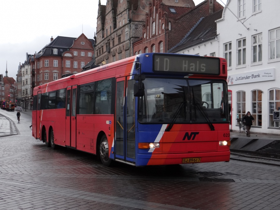 City-Trafik 623/SJ89617 i Østerågade i Aalborg den 12. februar 2014