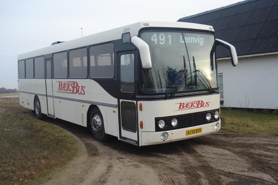 Bæks Bus XJ92879 på Møborg Kirkevej i Møborg ca. år 2010