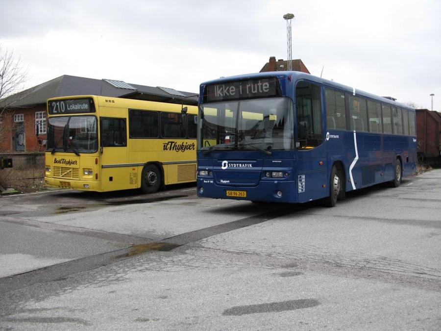 Bent Thykjær 190/SB96263 og 660/SJ93184 på Gammelhavn i Vejle den 9. februar 2014