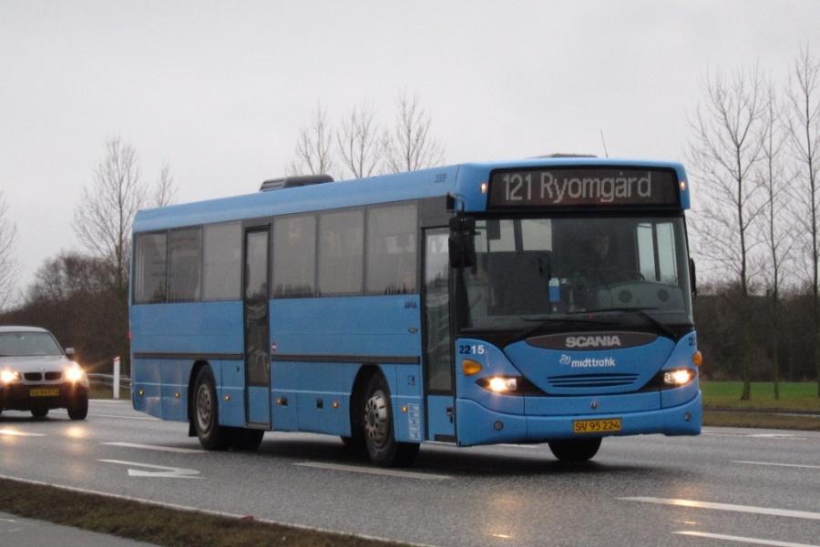 Arriva 2215/SV95224 på Grenåvej i Skæring den 3. januar 2014
